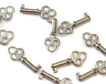 Piece of Tin small key three circles for making jewelry LoB-40 (10 pieces)