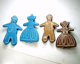 1950s Gingerbread Man & Lady Pair of Retro Plastic Pins, Pick Blue or Brown Pair of Brooches, Sold as Pair Only
