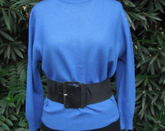 Vintage 1970s Pullover Jantzen Crew Neck Sweater, Marine Blue, size 40 bust