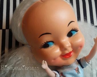 I'm just a doll, Dollface Blythe mask