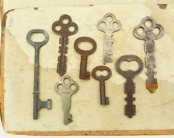 8 Vintage Antique Skeleton Steamer trunk Chest Keys Assemblage Steampunk Craft Supply