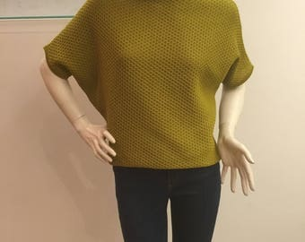 Women's blouse of a poncho. Handmade. 100% cotton. Color of mustard