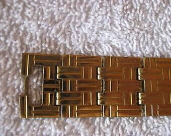 Goldtone Vintage Bracelet  in Gift Box CL7-32