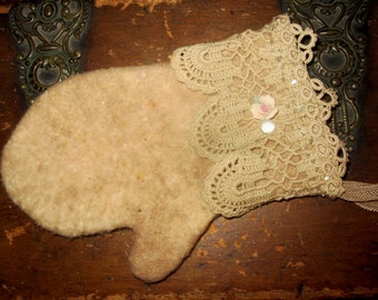 Sweet Vintage lace Cotton Woolen Mitten Christmas Ornament A