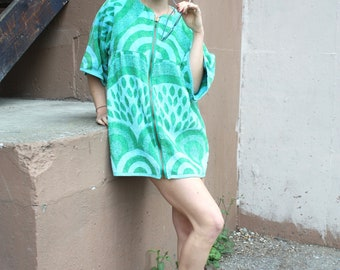 Vintage 1960's Terrycloth Beach Dress // 60s Mini Green and Blue Psychedelic Abstract Print Zipper Robe // Japanese Mod