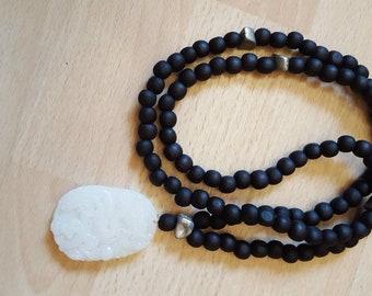 Bad 108 sandalwood beads with white JADE pendant