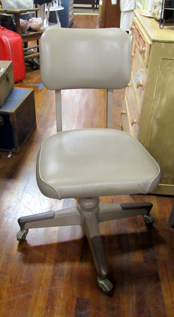 Tanker desk chair industrial beige