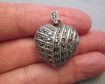 Very Pretty Sterling and Marcasite HEART LOCKET Pendant> Vintage 1970's