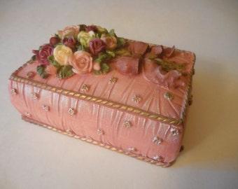 Ceramic Jewelry Box, Vanity Box, Ceramic Box, Lid, Junk Box, Trinket Dish, Dainty, Boudoir, Flowers, Roses, Vintage