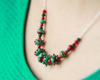 Christmas necklace_ugly sweater_dotted pattern_red green_polka dot_statement necklace_coral malachite_Christmas coworker gift_handmade glass