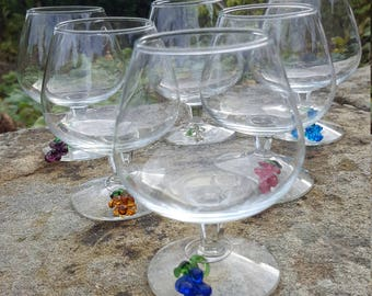 Vintage French Wine Glasses / Grape wine charms / Vintage wine glasses / Unusual French glasses / Set of 6 wine glasses / Retro wine glass