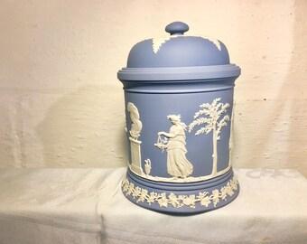"""Wedgwood Jasperware White on Pale Blue Olympus Jar 4.75"""" 04051"""