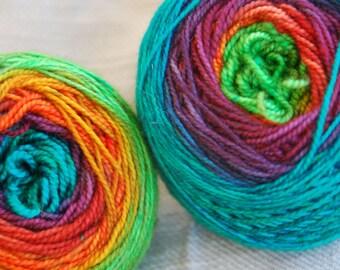 Yarn, handdyed, 100% Mcn, handdyed, colour Regenbogen, selfstriping