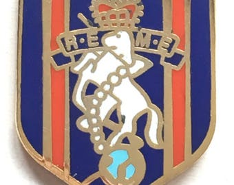 Royal Electrical and Mechanical Engineers REME Military Enamel Lapel Pin Badge