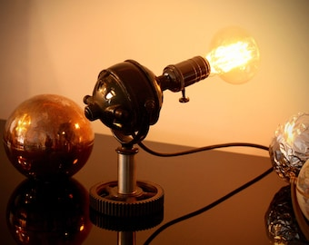 Steampunk table lamp completely iron, with spherical motor and gear base-Made in Italy