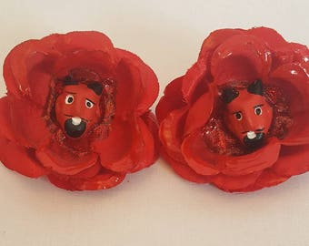 Set of 2 red devil little red flowers hair clip