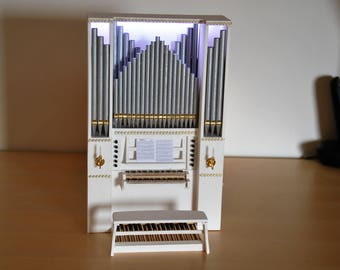 The shining organs-miniature organ models crafted by hand