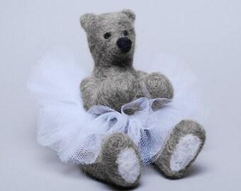 Needle Felting Kit - 'Emerson' (grey) - Needle Felted Teddy Bear - Needle Felt Kit - Needle Felting Tutorial - DIY Kit - Needle Felted Bear