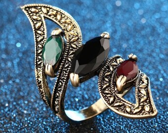 Vintage Style Multicolored Gold Ring Size 7