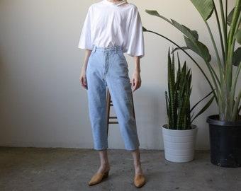 80s light wash cropped jeans / classic high waist 5 pocket denim / vtg high waist jeans / US 9 / 27 waist / 3772t / B15