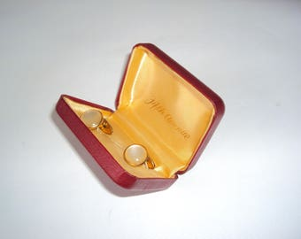 Vintage cuff links 1960's with Fifth Avenue cufflinks box / mens accessories / mid century gold tone cuff links