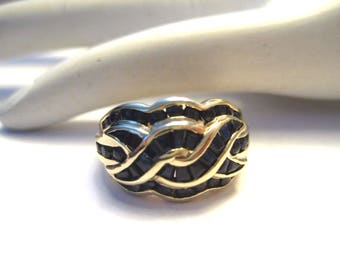 Vintage 10K Yellow Gold Dome Ring with Sapphire Baguettes Size 7.25 4.5g