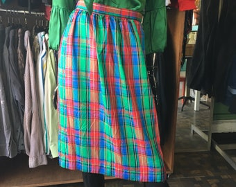 Vintage 80s high waist Gucci style pencil skirt //  red and green blue plaid // spring 2018 prep punk