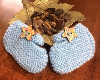 Baby bootie, hand knit, newborn to 3 months