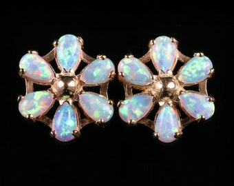 Opal Gold Stud Earrings 3ct