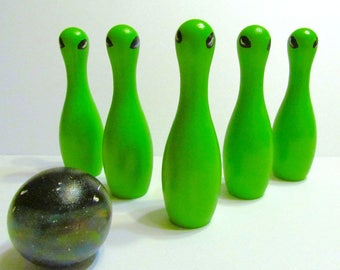 Green Alien 5 inch high Outer Space Wooden Bowling Game - Alien tabletop travel game - Miniature bowling pin set - Alien toy bowling game