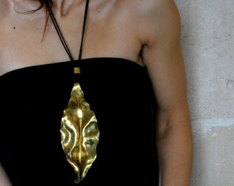 sculpture jewel / brass