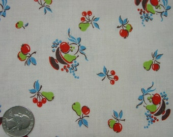 "Vintage Feedsack Fabric, Novelty Fruit Print 29 x 36"""