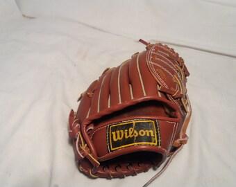 Vintage Leather Baseball Glove.Brand:WILSON  Mod.Kirk Gibson - NEW
