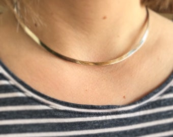 Sterling silver choker necklace. Excellent vintage condition