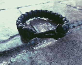 Mad Max Fury Road Tom Hardy Paracord Survival Bracelet in Black
