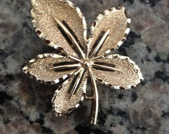 Vintage 1960s Sarah Coventry Yellow Gold Tone Ivy Leaf Brooch