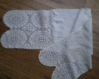 Vintage lace and cotton table runner