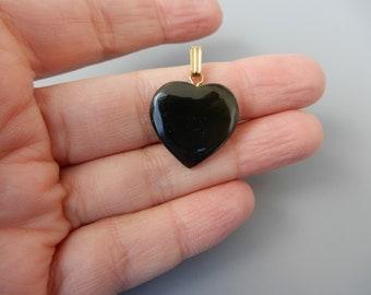 Vintage dark stone heart pendant golden charm