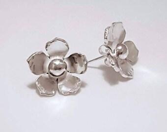 Flower earrings, flower studs, sterling silver earrings