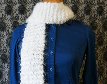 Ready to Ship - Knitted Scarf - SK06D - White