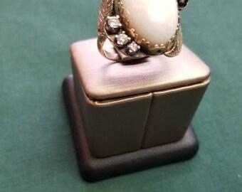 Beautiful opal 14k statement ring