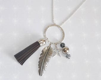 Necklace long ring engraved with feather/beads/star/tassel black tones