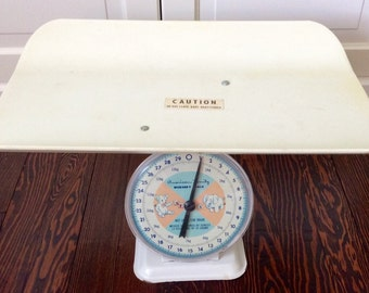 Vintage American Family Baby Nursery Scale, Nursery Scale, Baby Scale, Nursery Decor, Baby Photo Shoot, Baby Photo Props, Vintage Nursery