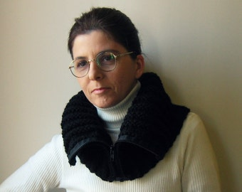 Cowl with Zip Knitted in Black Wool