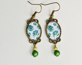 Boho chic earrings, tropical leaves cabochons