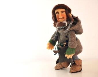 OOAK charactere fantasy style of the Hobbit of Tolkien, Ori dwarf in felt, art doll realized by nearteneparte in carded wool, made in italy