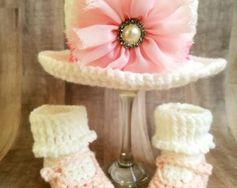 Crochet baby hat and booties - Baby Girl Hat and booties set- newborn crochet hat and bootie- Easter bonnet and booties - Easter girl outfit
