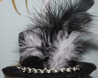 Lady Crocodile Hunter Lace Min Hat