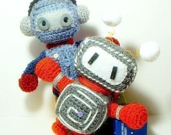 Crochet amigurumi pattern - Retro Robots - 2 amigurumi toy doll patterns / PDF
