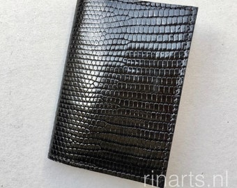 Porte carte / porte monnaie en peau de lézard véritable noir et daim violet doublure. Cadeau pour les hommes et les femmes. Portefeuille en peau lézard unique luxe